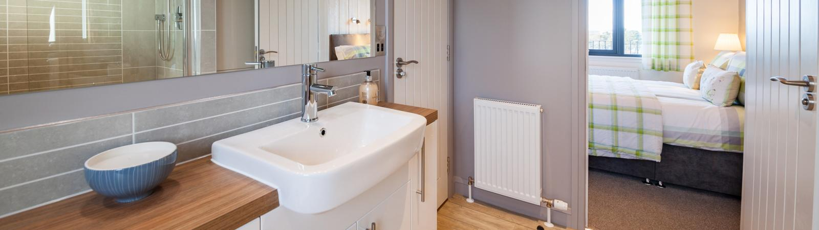 Ensuite bathroom in Barstobrick lodge